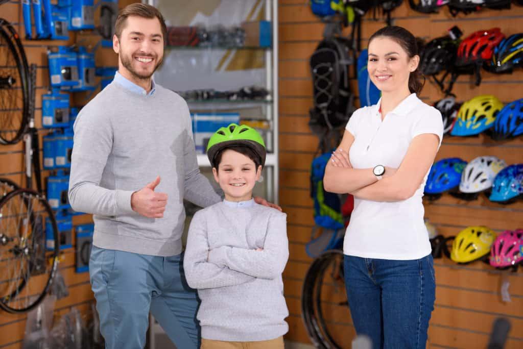 Få hjælp til at vælge den rette cykelhjelm